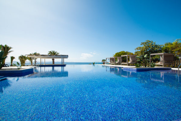 infinity pool - preferred club